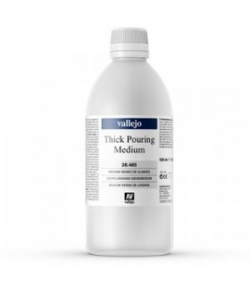 Medium dense smoothing Vallejo 500ml Pouring 28465