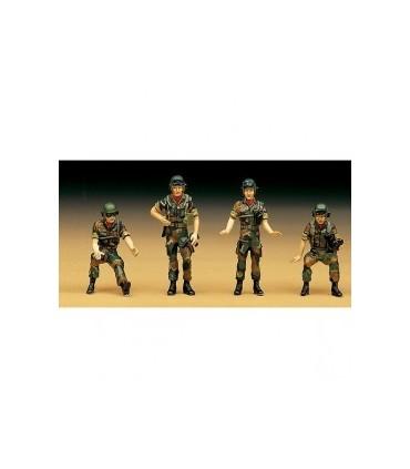 R.O.K. Tank Crew Figure Set Academy 1/35